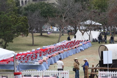 Inaugural_Barbecue_tables