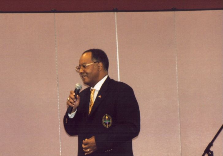 Host_Pastor_Bishop_Gerald_O._Glenn