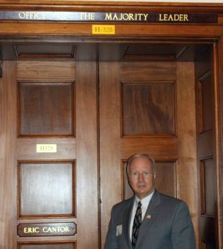 Don_Blake_at_office_door_to_the_House_Majority_Leader_Congressman_Eric_Cantor